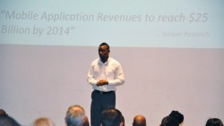 Antonio Wells Speaking at Mobile Tech Seminar in front of hundreds