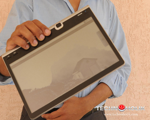 Android Tablet gives iPad run for the Money