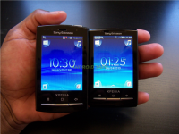 Sony Ericsson Xperia X10 Mini and Mini Pro Side by Side
