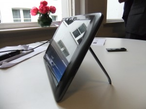 Archos - 10.1 G9 Android Tablet Side View