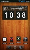 Regina 3D Launcher - Typical homescreen, featuring clock and weather widget