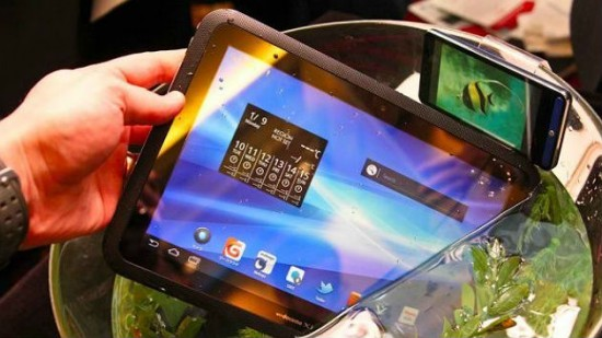 What happens when you drop a Fujitsu Arrows Tablet in Water? Nothing, it's Waterproof!