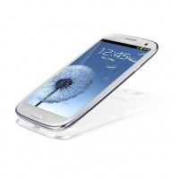 GALAXY S III in White Low Table Angle View 2