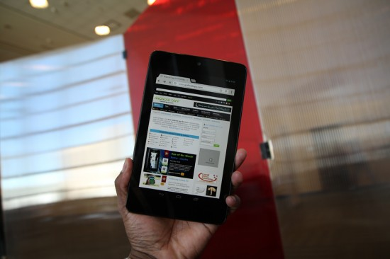 Nexus 7 Android Tablet (Hands-on Video)