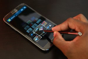 Samsung Galaxy Note II Airview in Gallery by Hovering S Pen Over Pictures