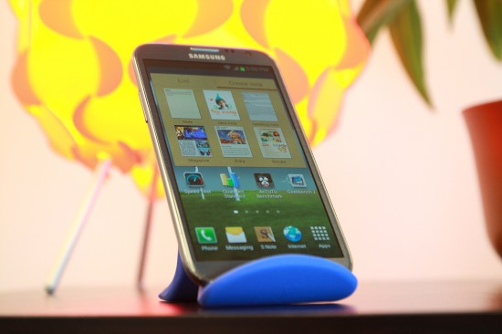 Samsung Galaxy Note II Massive Screen