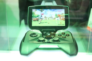 Project SHIELD Gaming Tegra 4 Gaming Handheld Playing Lets Golf