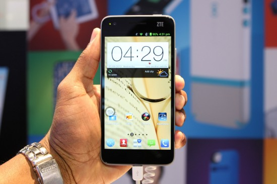 ZTE Grand S – Android powered Smartphone with 5 inch 1080p FHD screen (Hands-on Video)
