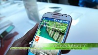 Samsung Galaxy S4 Hands-on Close-up and Front Camera