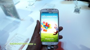 Samsung Galaxy S4 Hands-on - Lock Screen